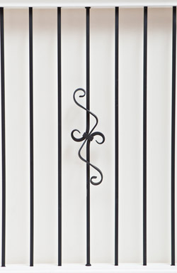 IB 114 and PL 12 basic range iron baluster