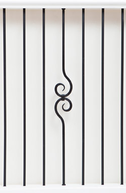 IB 104 and PL 12 basic range iron baluster