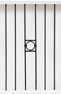 IB 143 and PL 12 basic range iron baluster